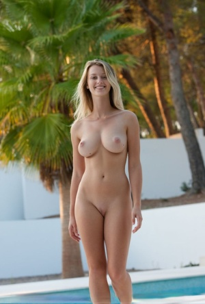 Pool Tits Porn Pictures
