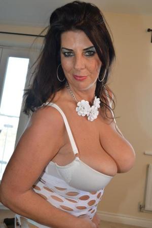 British Tits Porn Pictures