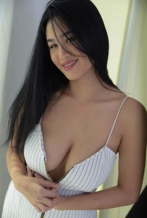 Thai Tits Porn Pictures